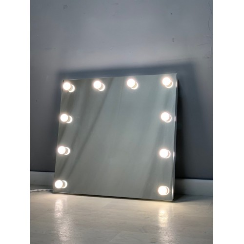 Безрамочное гримерное зеркало с подсветкой 70х75