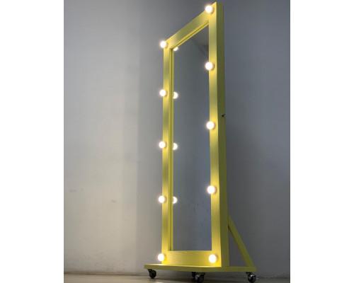 Желтое напольное зеркало с лампочками в комнату 170х70